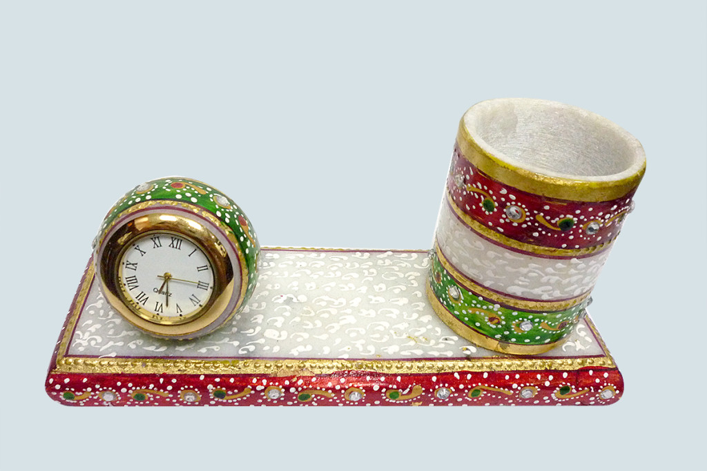 marble-clock-pen-stand
